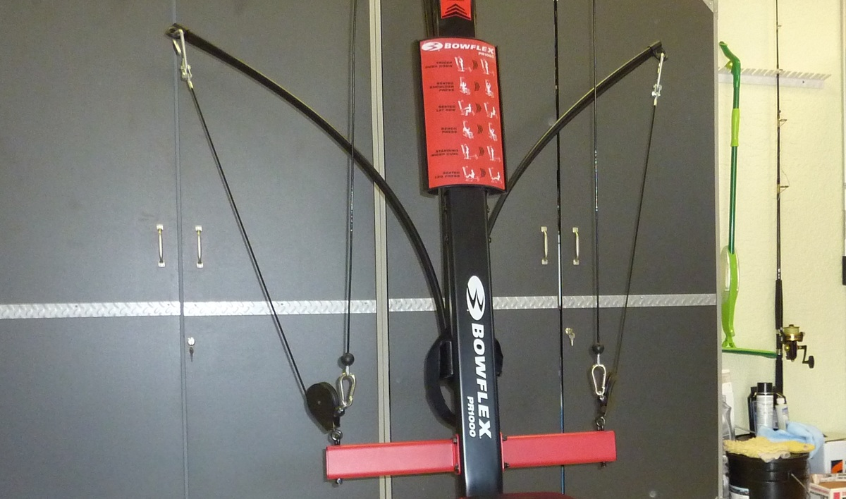Image showing the middle section of the Bowflex PR1000 home gym
