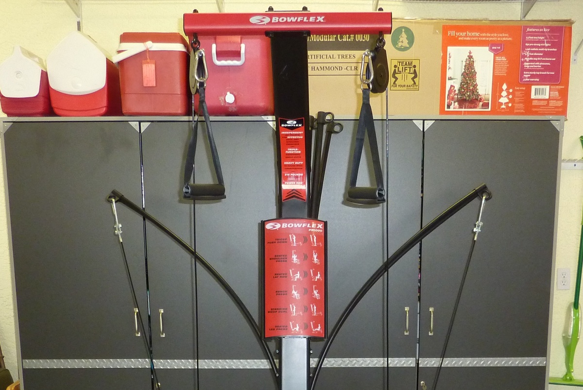 Image showing the top section and built-in workout placard on the Bowflex Blaze