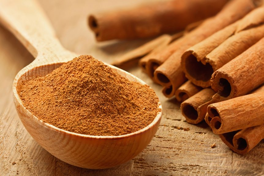 Image of a spoonful of cinnamon