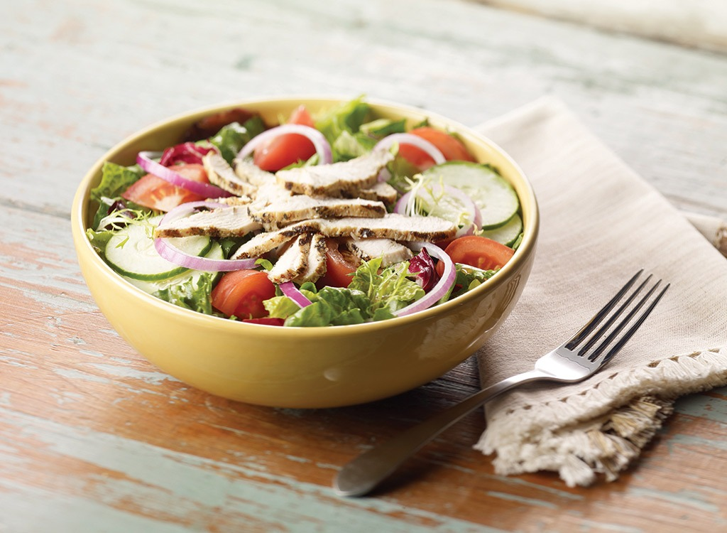 Image of a low carb high protein fast food salad from Panera