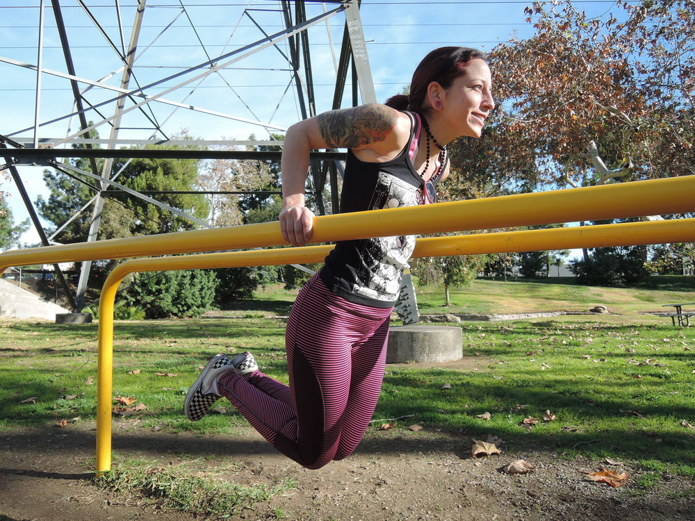 How To Do Chest Dips At Home - Chest dips with parallel bars