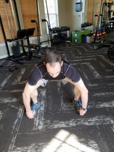 sumo squat toe hold down